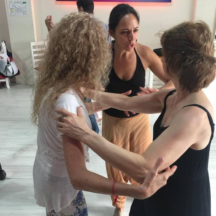 Teaching about Tango musicallity