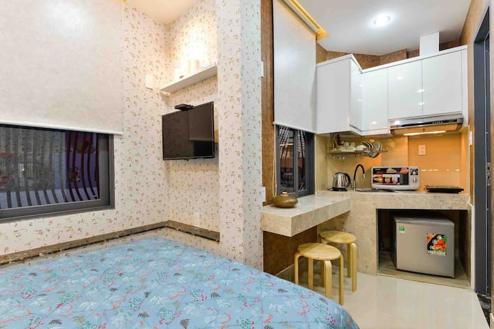 Deluxe, Cozy Studio Apartment-The Heart of Dist1