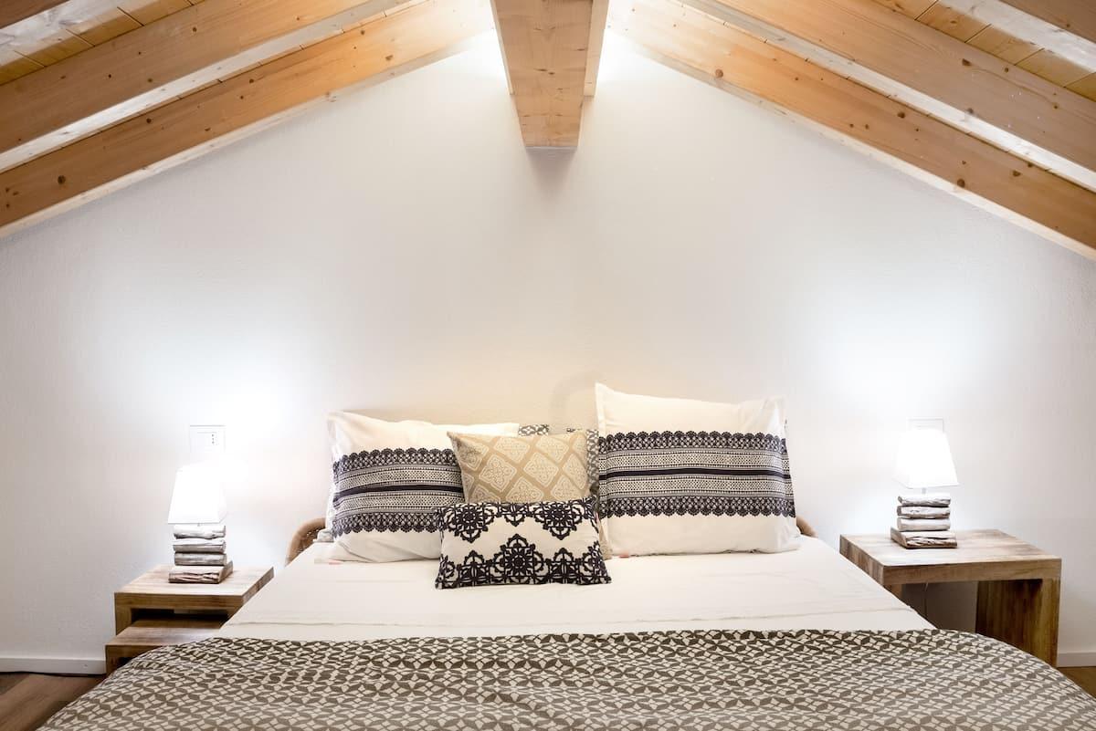Casa di Sophi Romantico cottage con ampia terrazza Angera Lago Maggiore