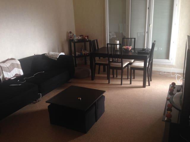 Appartement F1 très spacieux - Montluçon - Apartamento