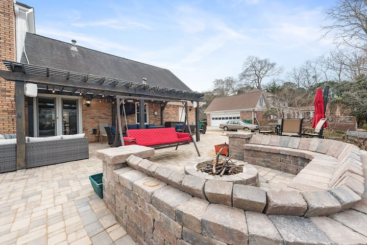 Dunwoody Private Room with Stunning Outdoor Area