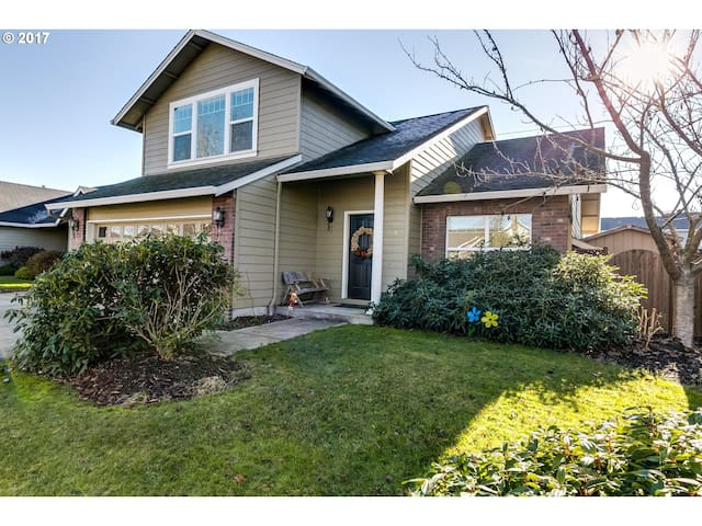 Great House Perfect For Your Family Or Group