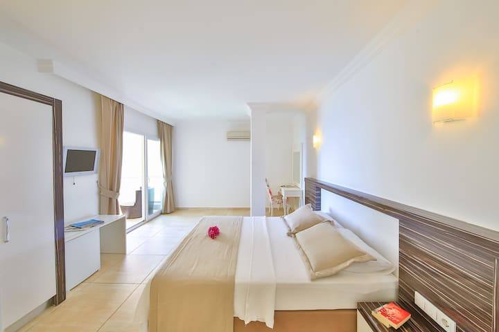 20 m2 Çift Kişilik Özel Oda | Kaş Linda Hotel