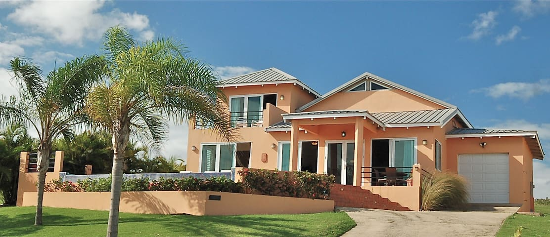 Casa Lucia, Gated Community with Private Beach