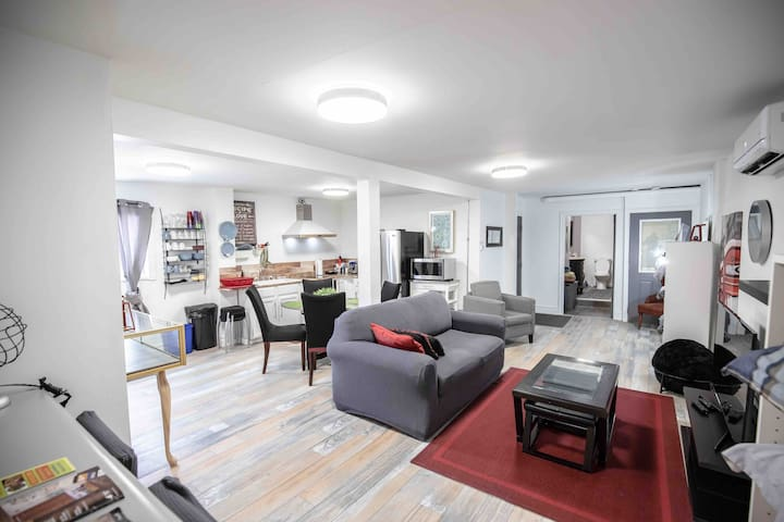 Hip&Spacious in Heart of Walkerville