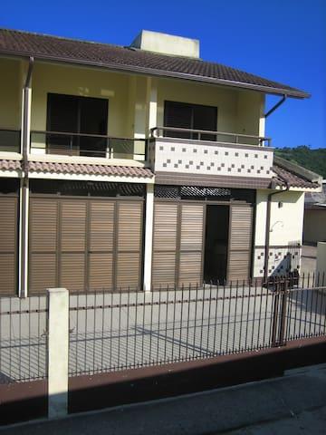 Casa de Praia Pinheira - 30m da praia - 03 quartos