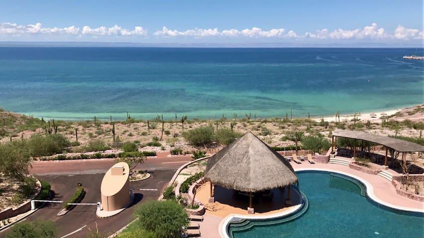 Three Bedroom Oceanview- Puerta Cortés