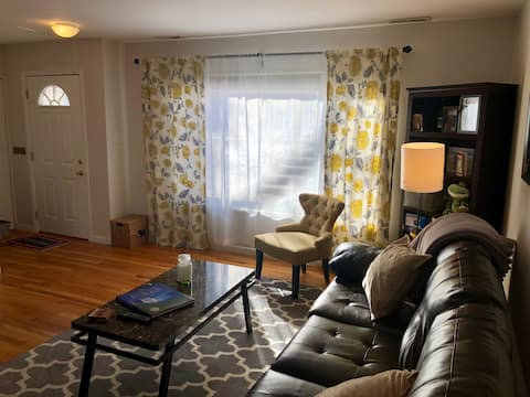 Green Mountain Town Home- End Unit. Near Red Rocks
