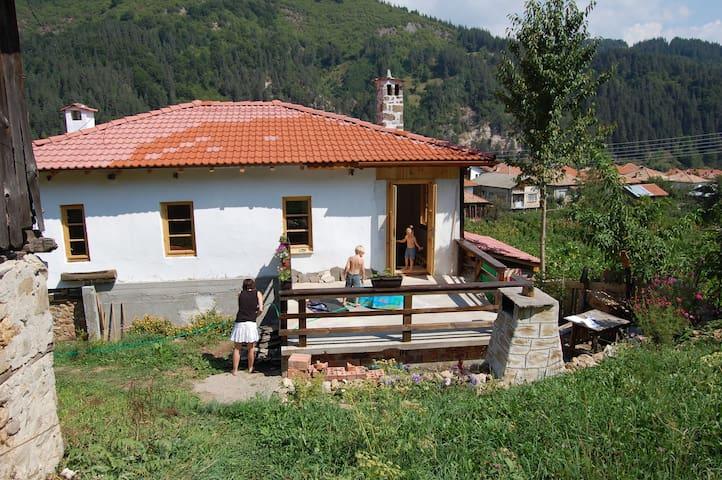 Rhodope Retreat - Smolyan - Huis