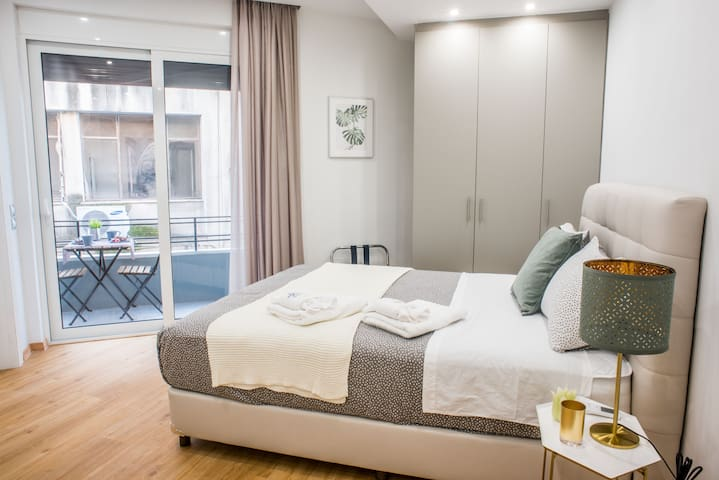A24 The dreamsuite for two in the center of Athens