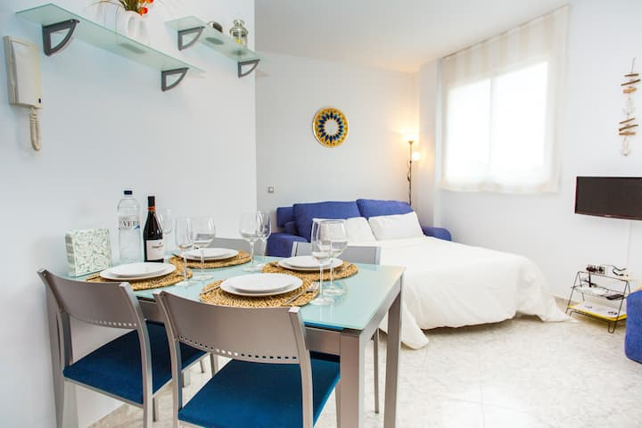 AL18 Studio 250 m Fenals beach, Costa Brava
