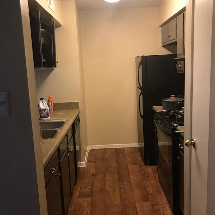 Private room and bathroom in gated Apartment area