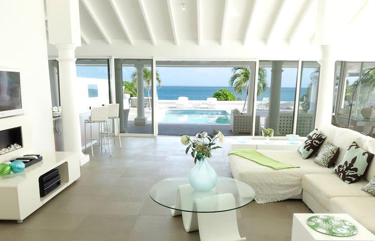 Villa de luxe avec une chambre les pieds dans l'eau,Terres Basses St Martin - Marigot - Villa