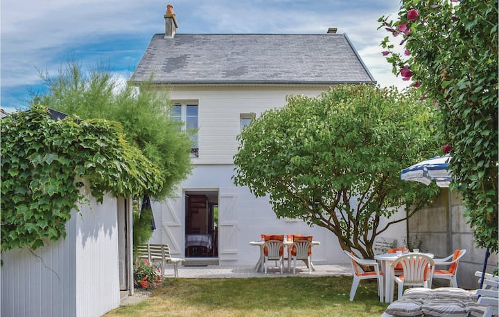 Holiday cottage with 3 bedrooms on 80m² in Agon-Coutainville