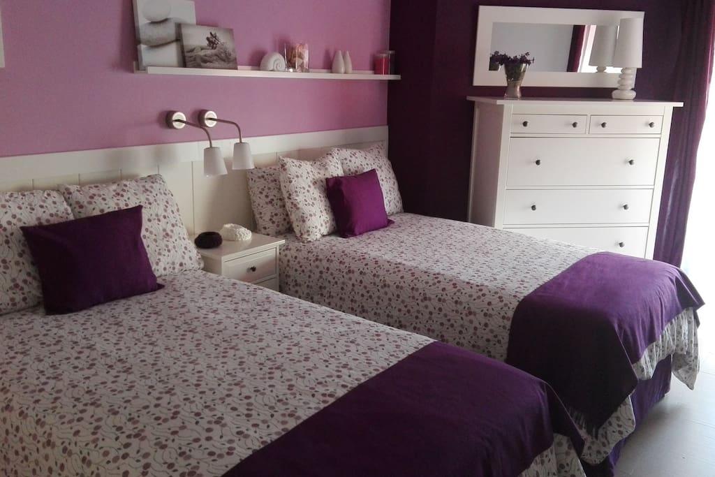 dormitorio amplio y muy comodo