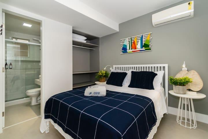 suite 2 com cama casal e 1 colchão extra de solteiro.