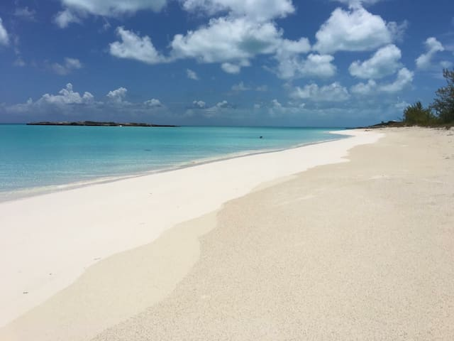 Ocean view at Tropic of Cancer Beach Little Exuma