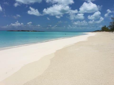 Ocean view at Tropic of Cancer Beach Little Exuma