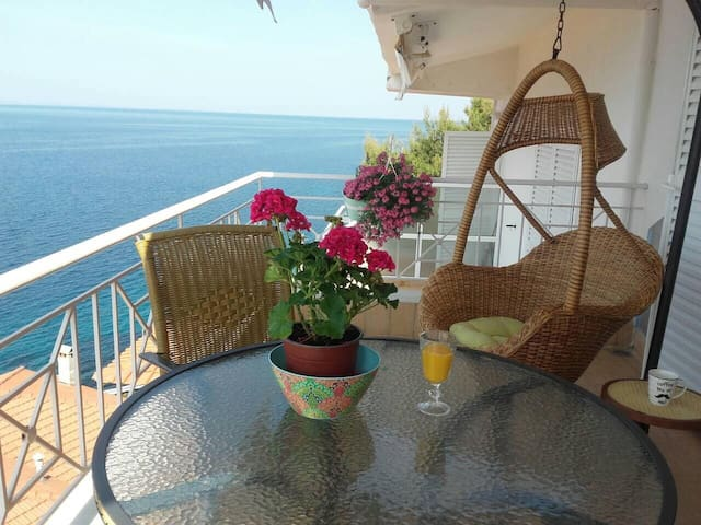 Fantastic Penthouse in Neos Marmaras
