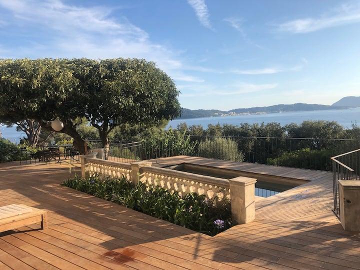 Très belle propriété face à la rade de Toulon
