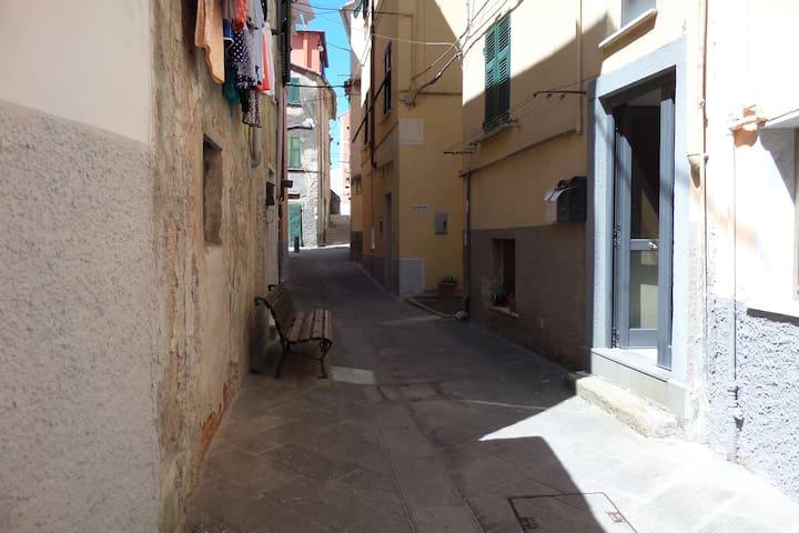 Casa CORALLI - borgata marinara Marola  La Spezia