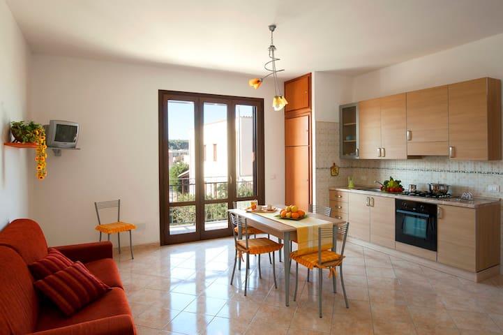 Rossoarancio con Terrazza panoramica - San Vito lo capo - Lägenhet