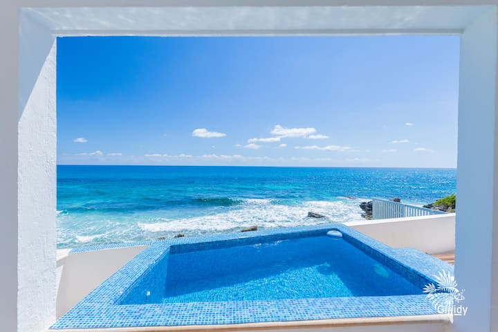 2 Bdrm Caribbean Oceanfront Condo w/ heated pool