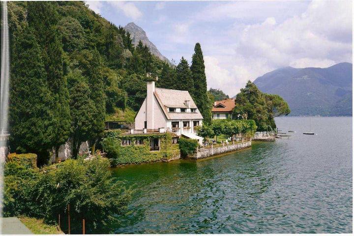 Villa Maymagon pied dans l'eau
