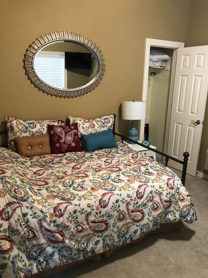Full sized daybed and the closet.
