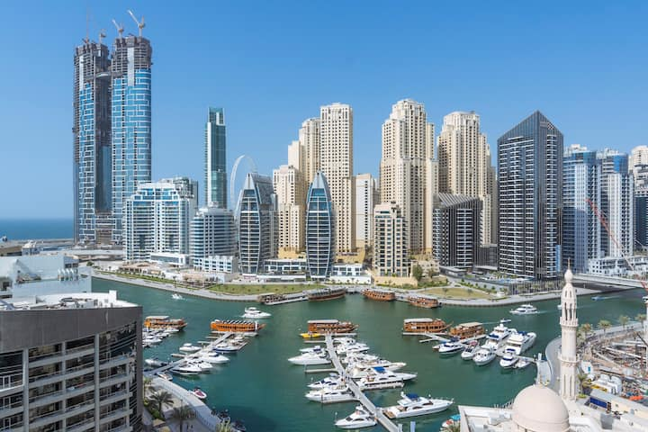 ★ Amazing View of Dubai Marina with Summer Vibes