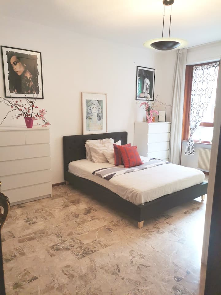Brand new private bedroom in beautiful apartment