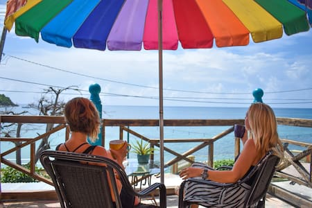 Flamboyan Guesthouse Ocean Front Room #3