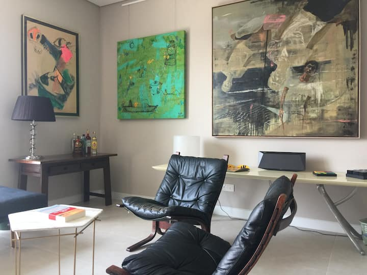 Huge 1BR with great KLGCC views for art lovers