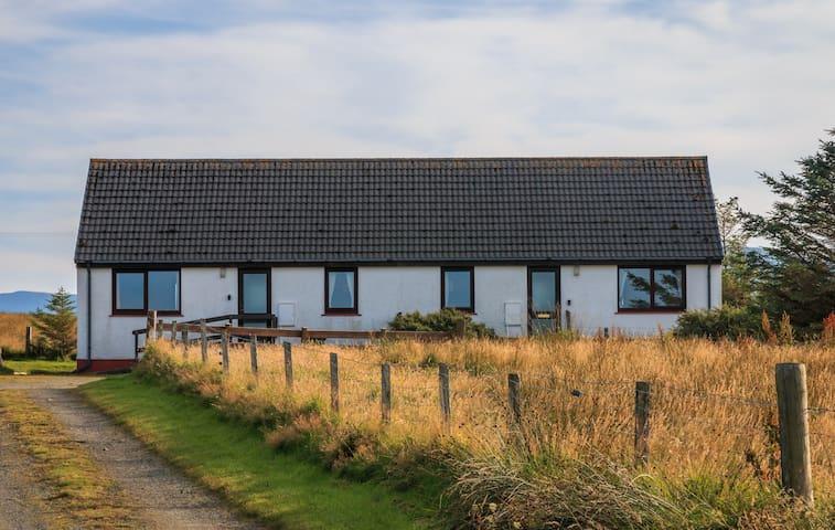 Staffin Bay Cottages - Ben Edra
