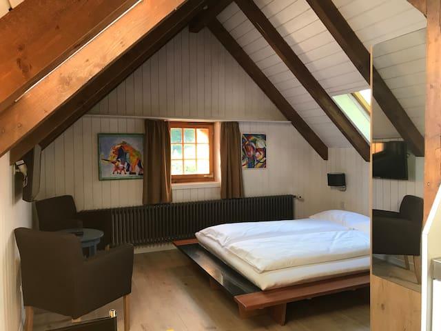 Brünig Lodge 24/7 - Romantisches Boutique Studio