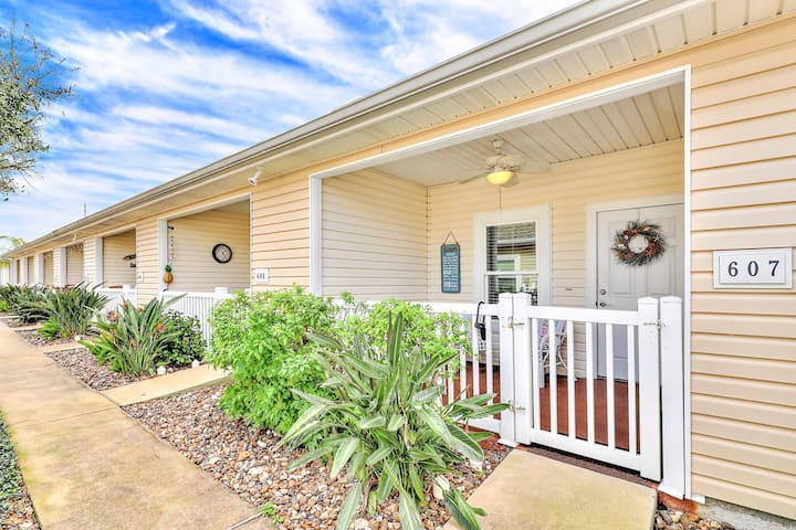 Dog-friendly townhome w/ covered patio & shared pool - close to the beach!
