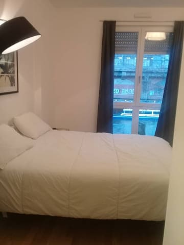 1 Room with View over Spree in Central Berlin