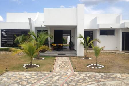 Hermosa casa de  descanso en mejor clima del mundo