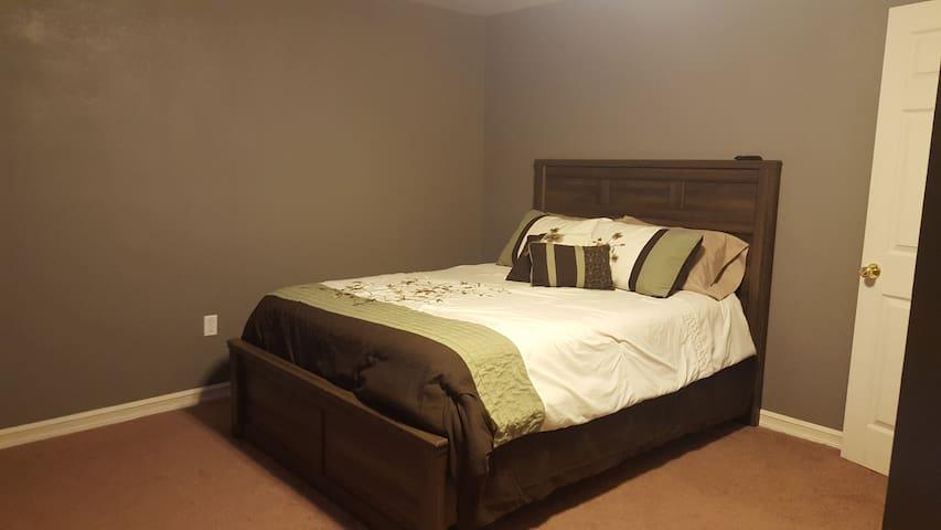 800 sq. ft. Private Suite - Manhattan - Hus
