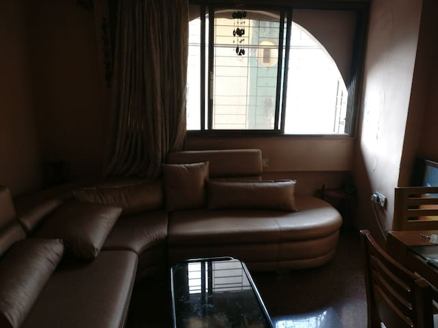 Chic 2 bedroom apartment in Andheri near Airport