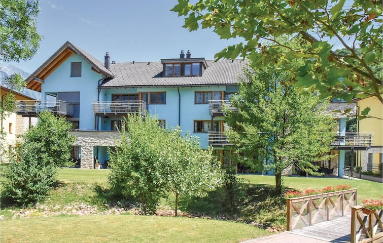 Holiday apartment with 2 bedrooms on 82 m² in Unterterzen