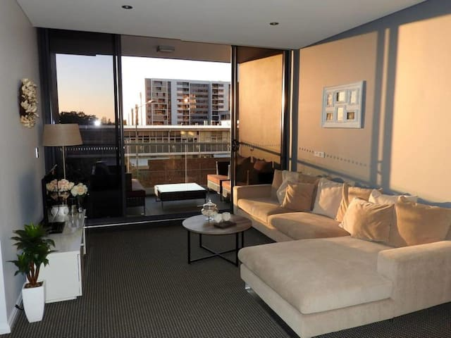 Modern  Apartment in Zetland, Close to City - Zetland - Apartment