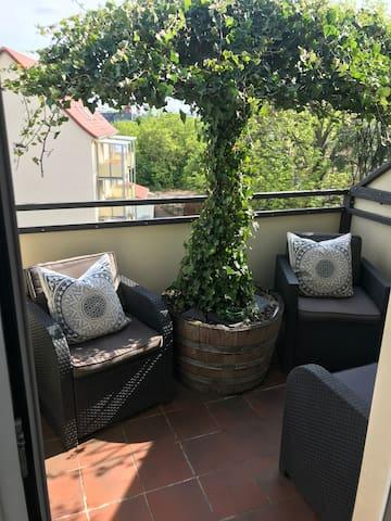 Stadtdschungel FeWo mit Balkon