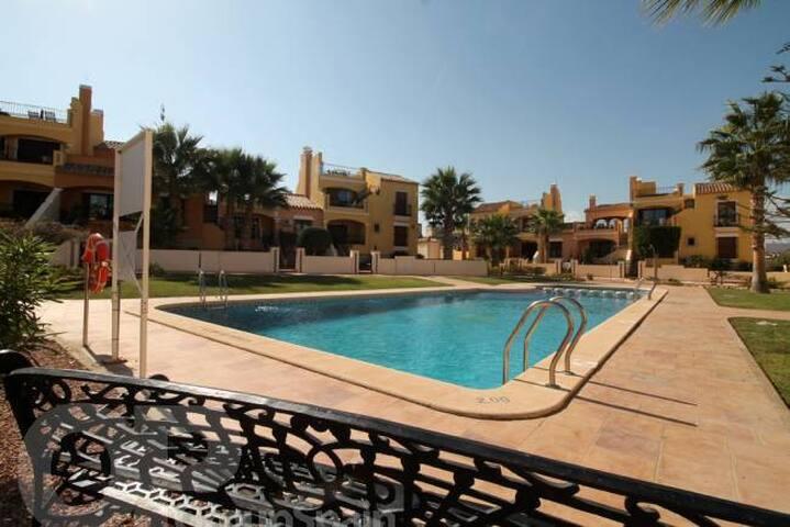 Attractive Townhouse, 6 Pers. La Finca Golfresort