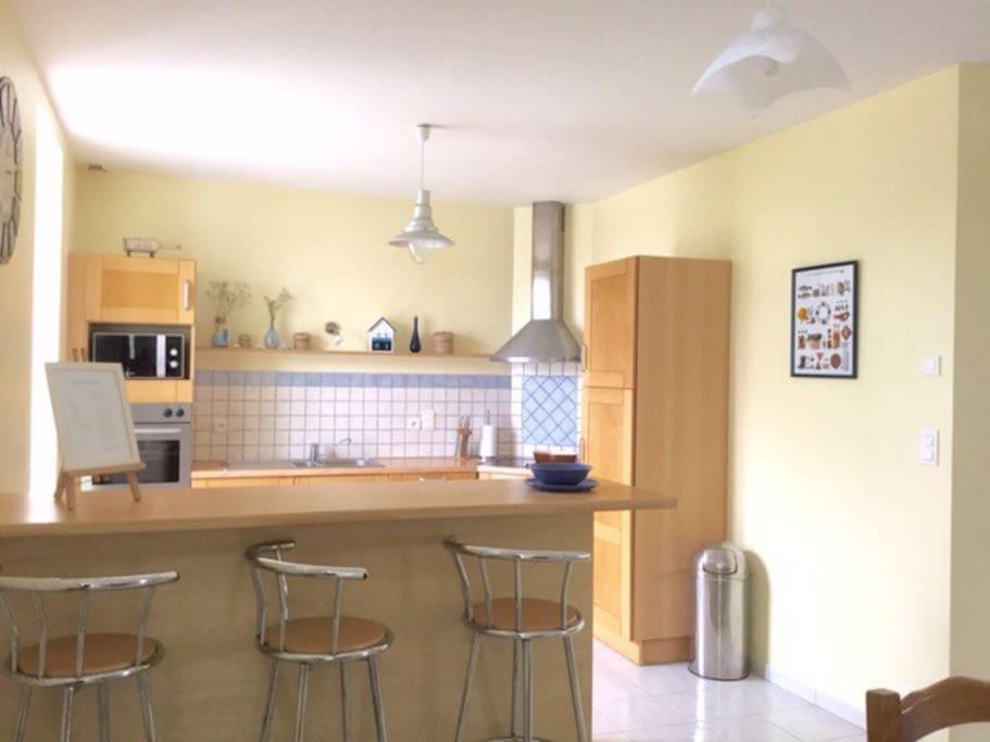 La grande pièce à vivre : espace cuisine