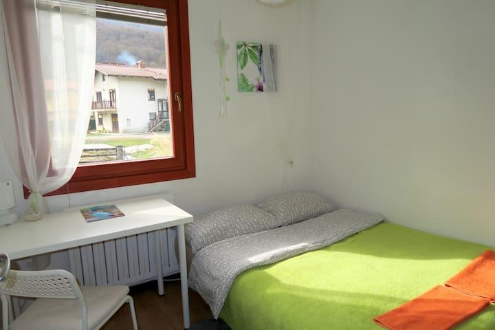 Budget Homestay. 1st Room - Idrsko - House