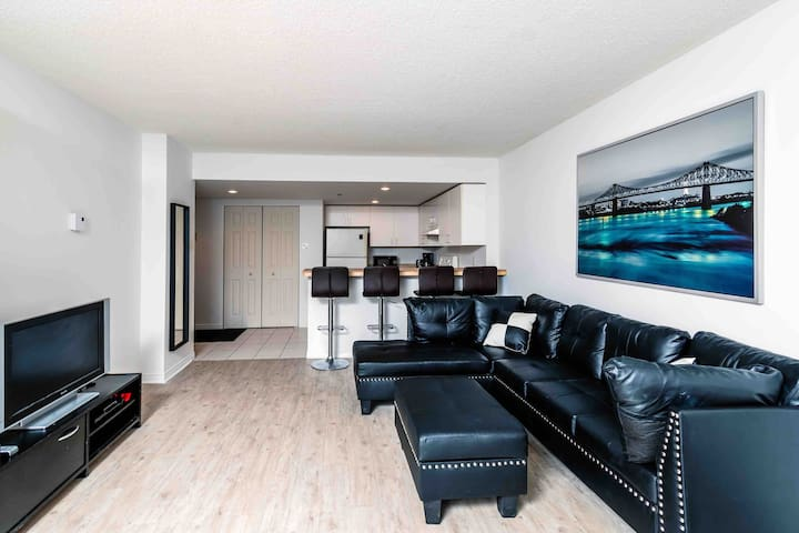 Condo Downtown Quartier Des Spactacles + parking