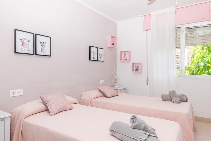Double room and shared bathroom in the center