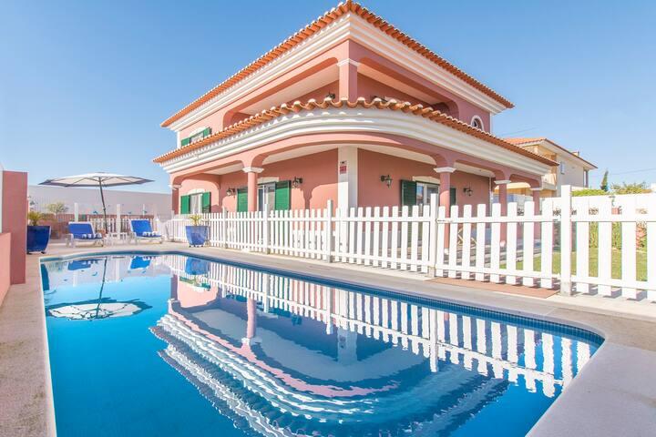 Villa Royal - New!