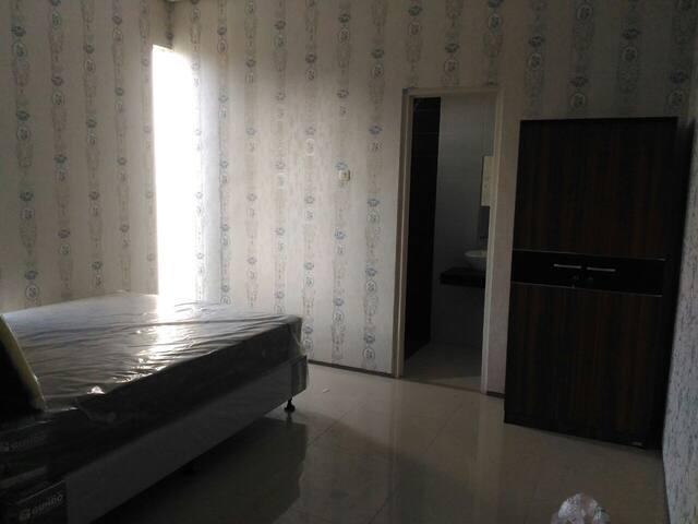 Master Bed Room ( Kamar Tidur Utama )